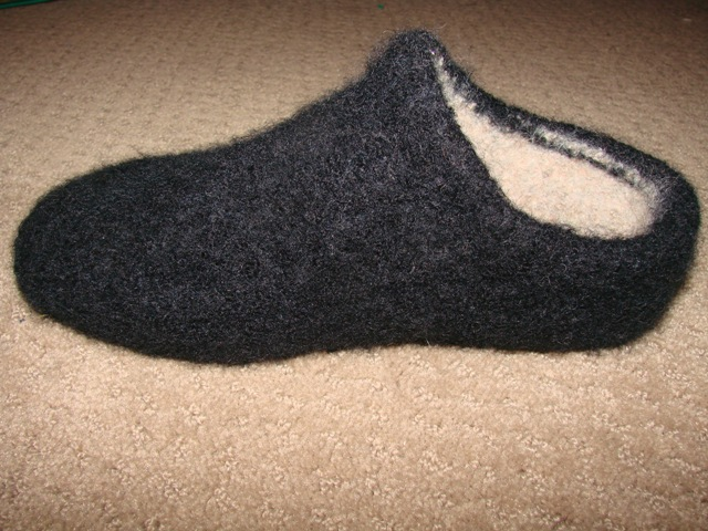 Felted Slippers Knitting Pattern : Felted Clog Slippers on the Brother Bulky Cckittenknitss Weblog