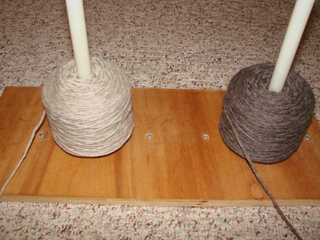 Yarn Holder Knitting Pattern : Make It Yourself Yarn Holder Cckittenknitss Weblog