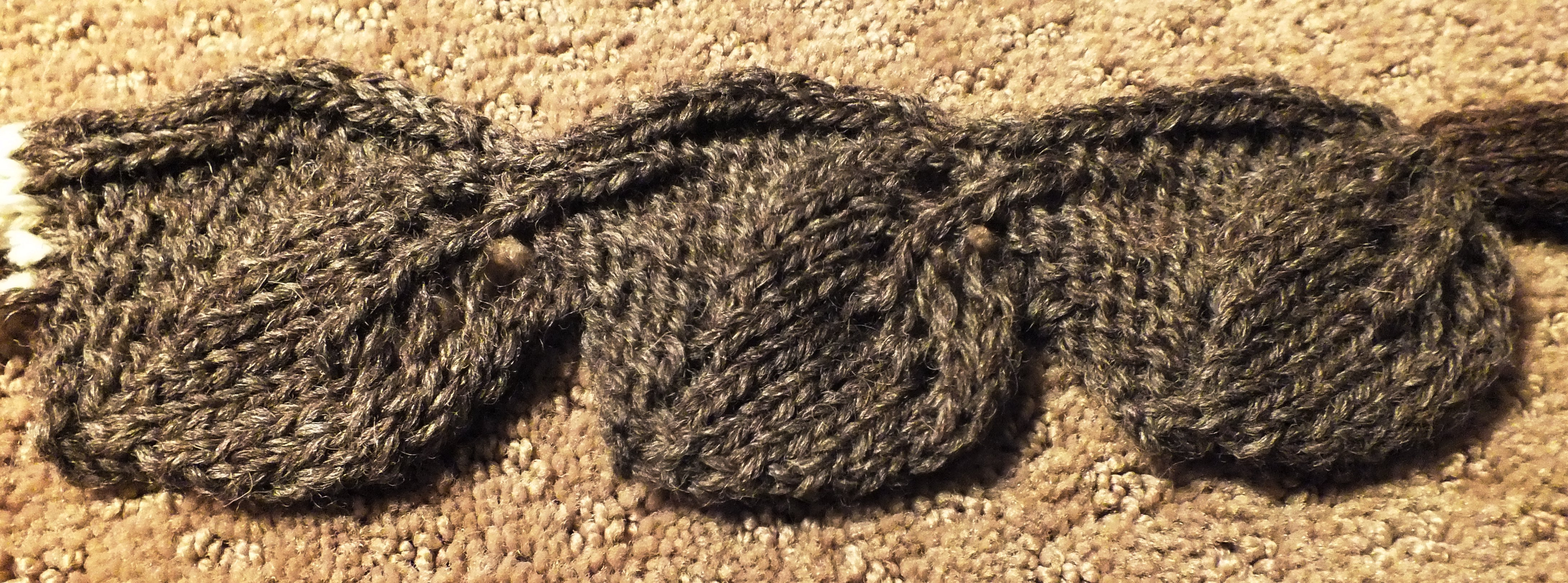Knitted leaf trim cckittenknitss weblog the design first appeared in the nihon vogue springsummer 1990 hand knitting issue bankloansurffo Choice Image