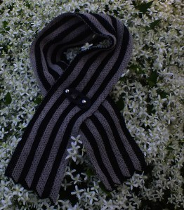 2 Color Vertical Ripple Scarf