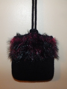Felted funfirpocketpursef