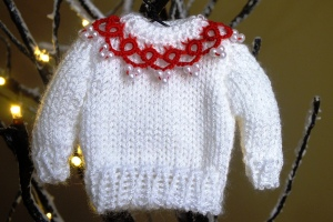 Miniature sweater witht tatted collar